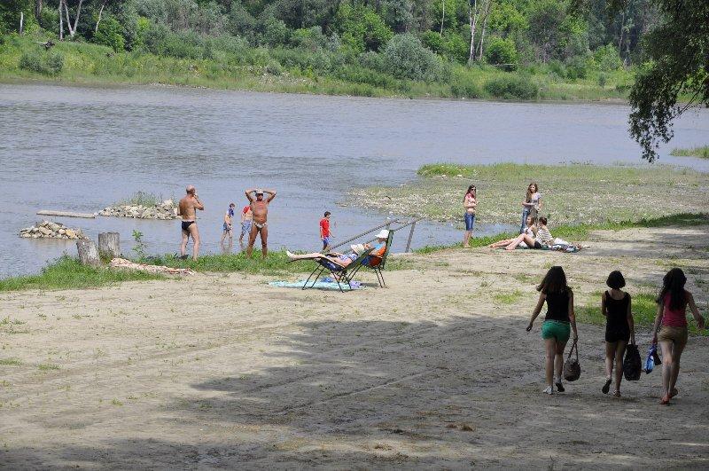 Купатися у річці Прут заборонено – Держпродспоживслужба