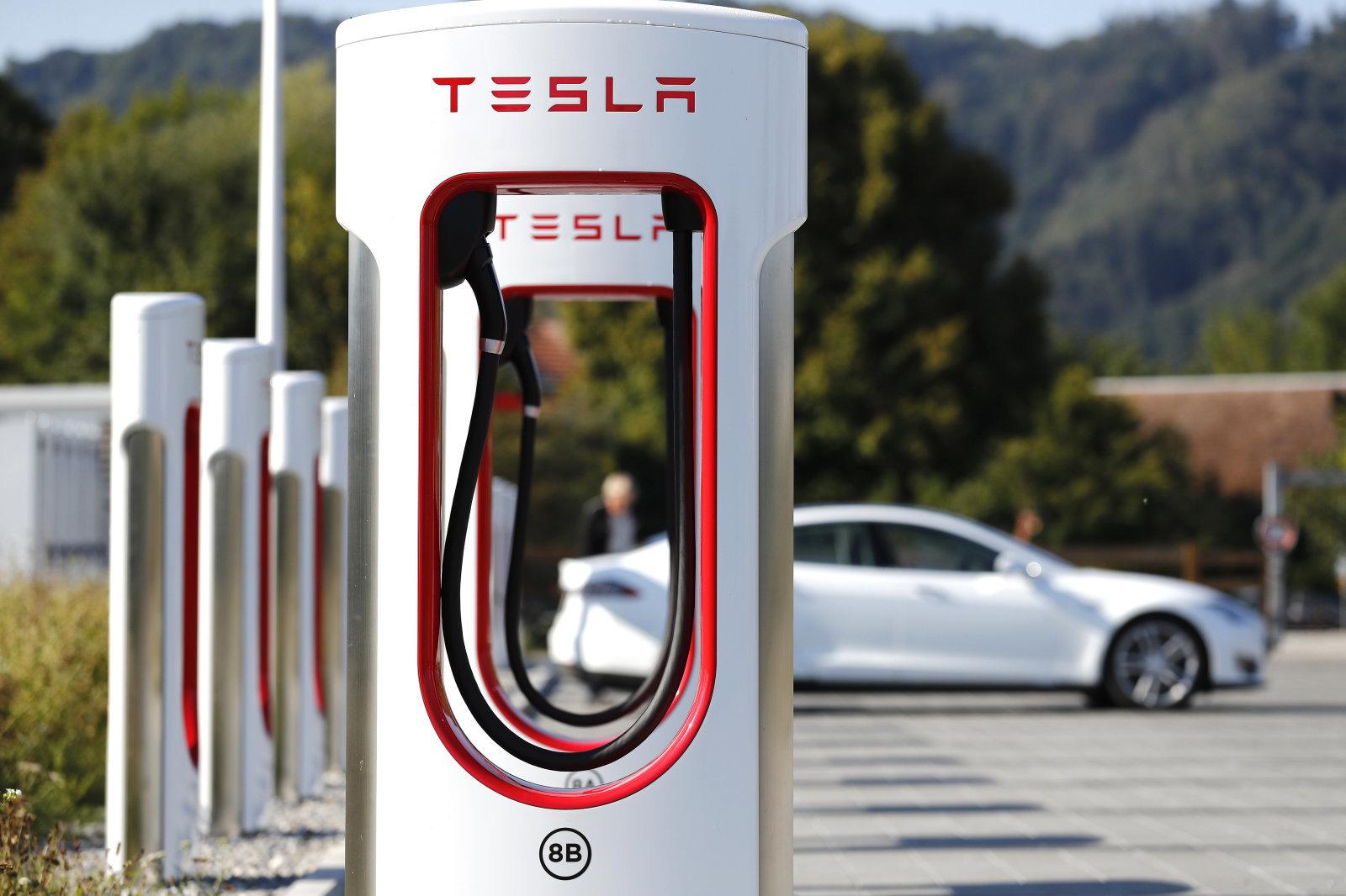 Tesla заявила про плани побудувати станції Supercharger в Україні