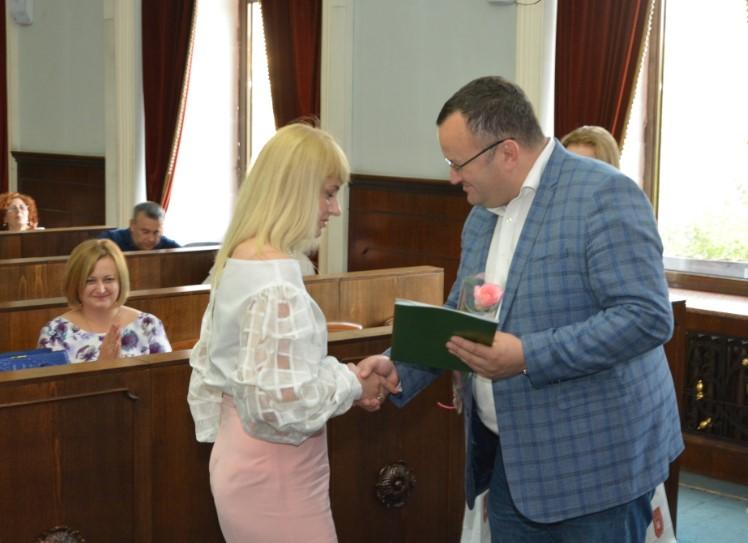 У Чернівецькій міськраді відзначили працівників торгівлі
