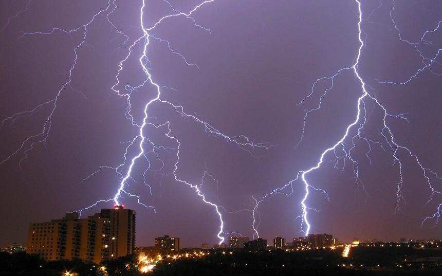 Грози та шквали: рятувальники оголосили штормове попередження