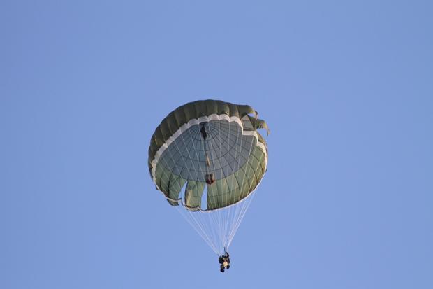 20 серпня чернівецькі десантники продемонструють стрибки з парашутом