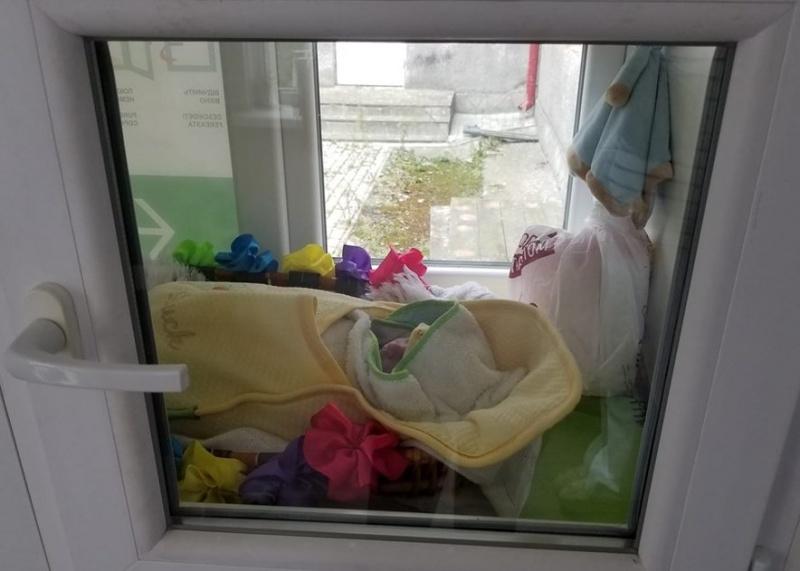 У Сторожинці у пологовий будинок підкинули немовля
