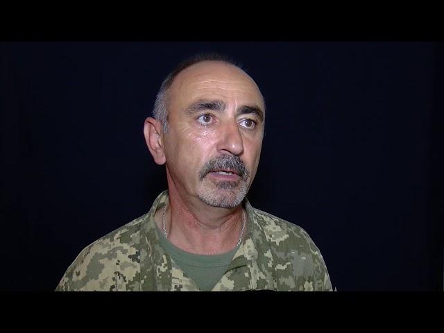Буковинців заохочують вступати до лав Збройних сил України. Обіцяють гідні зарплати, пільги.