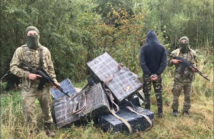 Стрілянина на кордоні: прикордонники затримали контрабандиста з Красноїльська