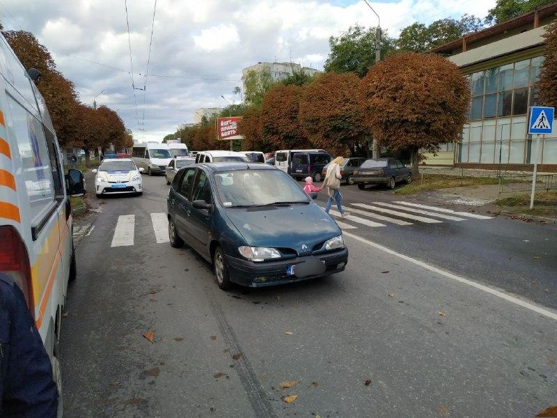 У Чернівцях на пішохідному переході збили жінку