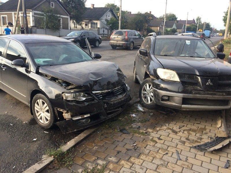 Внаслідок ДТП на Винниченка у Чернівцях постраждала одна людина