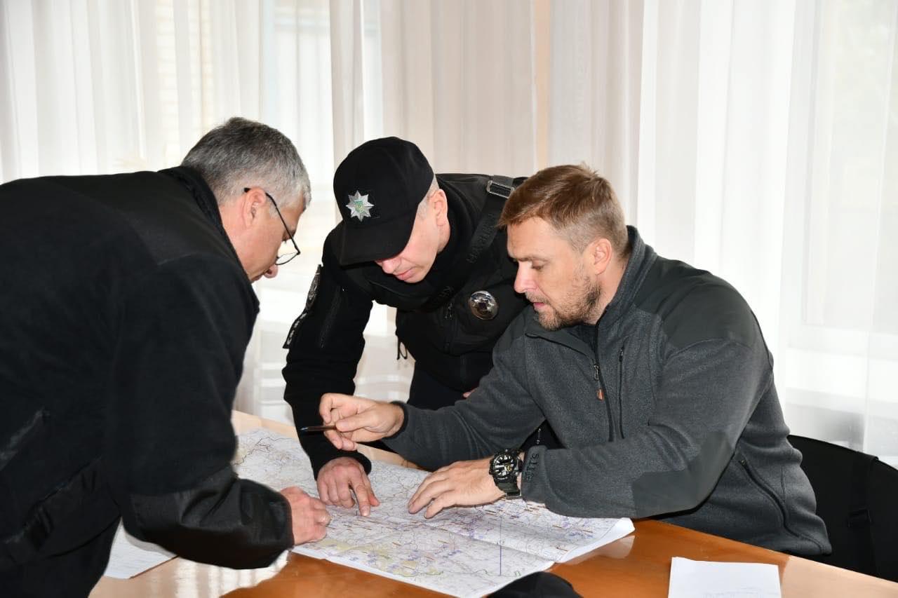 Поліція продовжить нести службу у Золотому та Катеринівці попри розведення сил