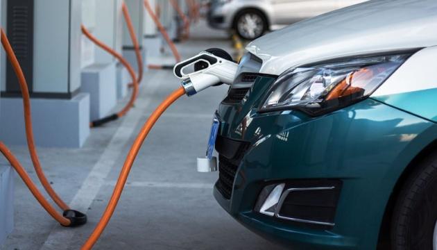 Ринок легкових електромобілів за рік виріс майже на третину — асоціація