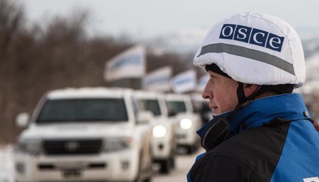 Місія ОБСЄ зафіксувала танки на поїзді, який рухався в напрямку окупованого Дебальцевого