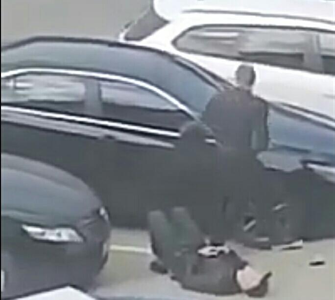У мережі з'явилося відео де вбили чернівчанина на вулиці Воробкевича