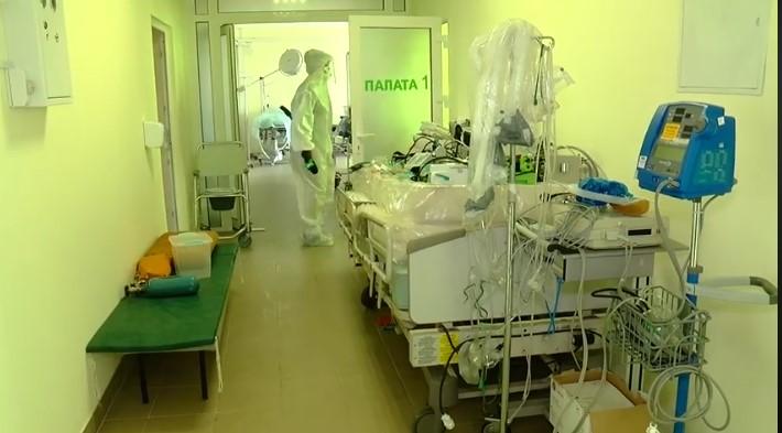 МОЗ: в Україні зайняті понад половина ліжок для пацієнтів із COVID-19