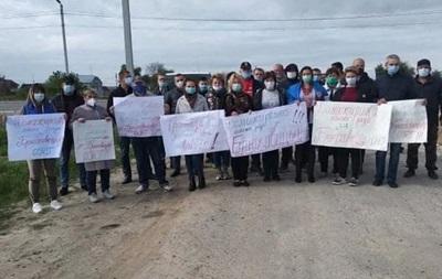 На Львівщині селяни перекрили дорогу через незгоду з планом ОТГ