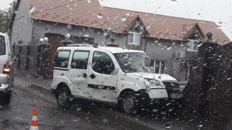 ДТП у Припрутті: водій Fiat Doblo протаранив паркан
