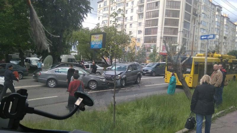 Патрульні повідомили деталі ДТП на Героїв Майдану в Чернівцях