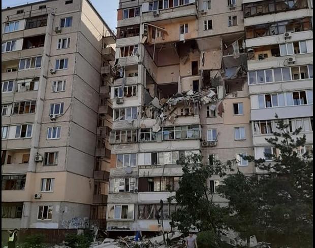 В Києві вибухнув газ у багатоквартирному будинку. Є постраждалі