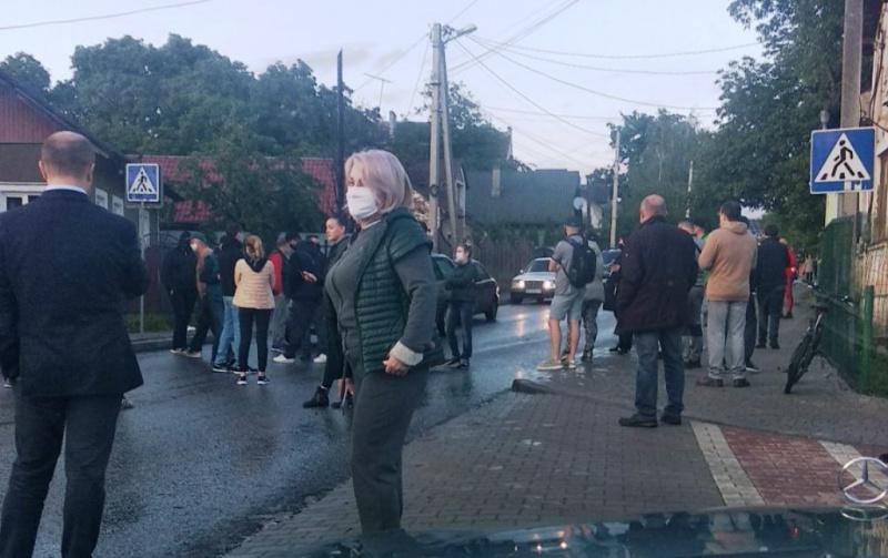 У Чернівцях пікетувальники блокували рух на Винниченка