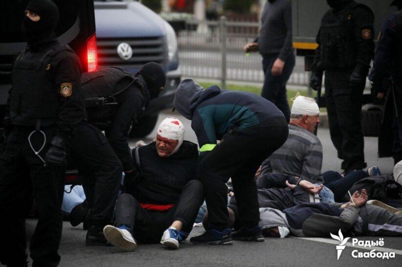 У Мінську жорстко розганяють акцію протесту