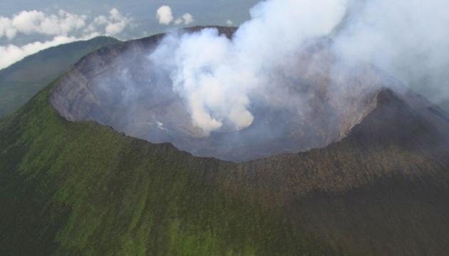 Українські миротворці приземлилися на кратер «живого» вулкана в Конго