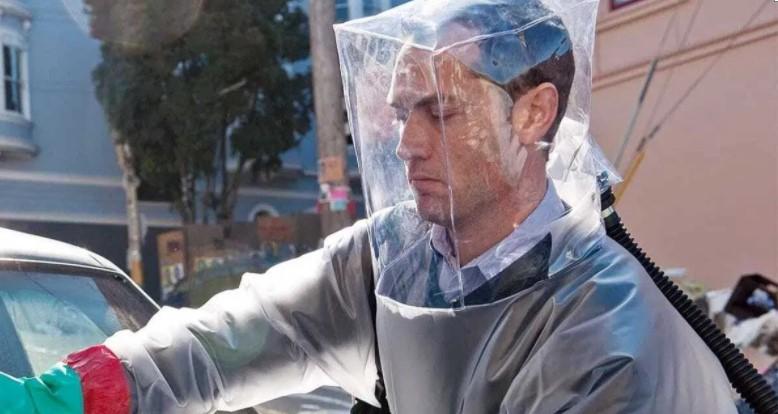 """Актор фільму """"Зараза"""" Джуд Лоу заявив, що знав про пандемію COVID-19 з 2011 року"""