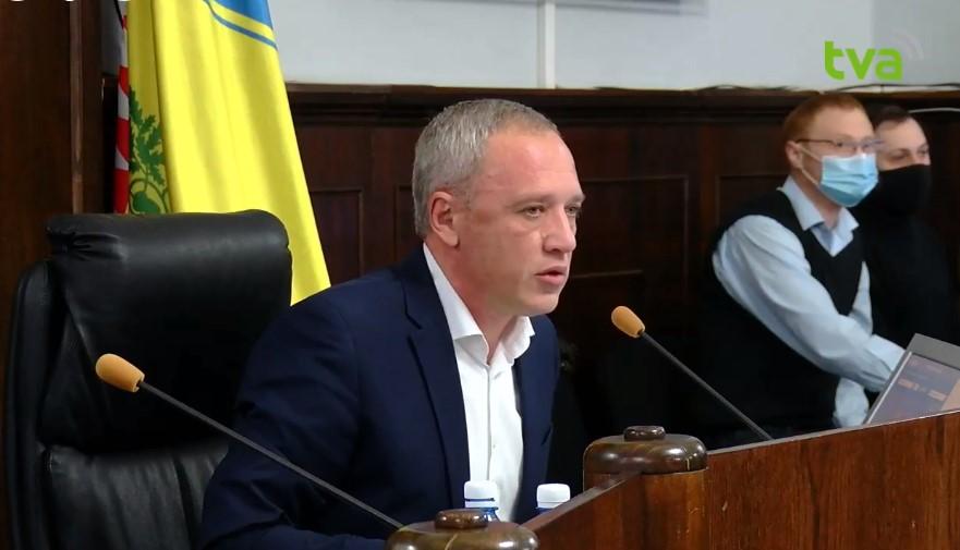 Екс-працівниця пресслужби Чернівецької міськради подала до суду на Романа Клічука