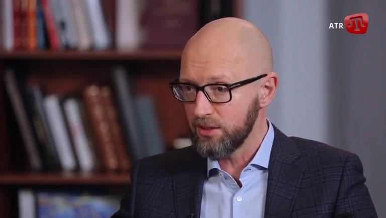 Арсеній Яценюк: Шаную право кожного говорити рідною мовою. Для українців рідною є українська
