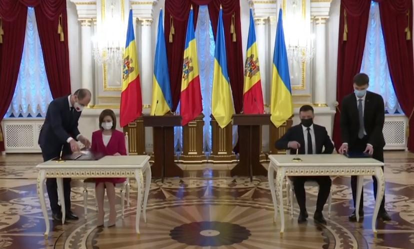 Зеленський та Санду домовились про стратегію двосторонніх відносин України і Молдови