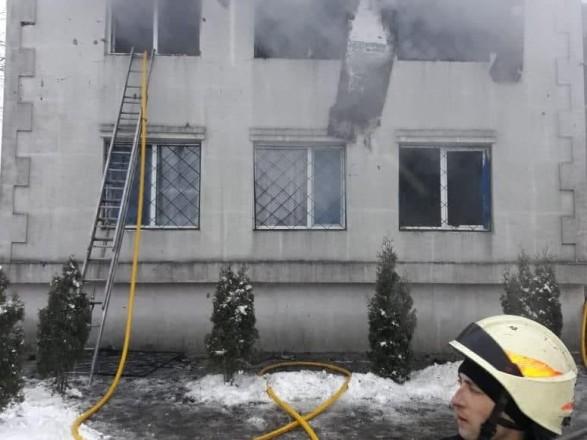 У Харкові горить будинок для літніх людей: відомо про 13 жертв