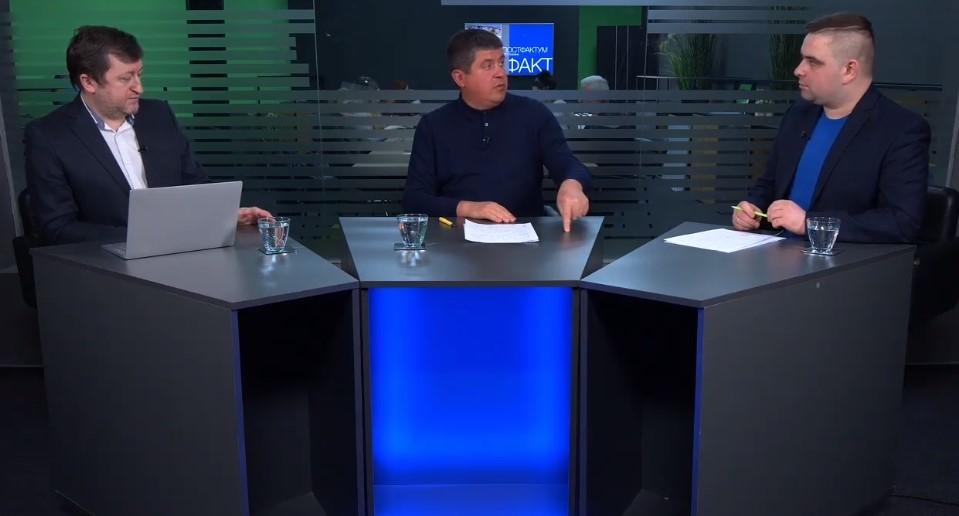 """Максим Бурбак розповів, хто хоче знищити аеропорт """"Чернівці"""""""