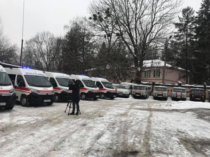 У Чернівцях медики отримали сучасні машини швидкої допомоги