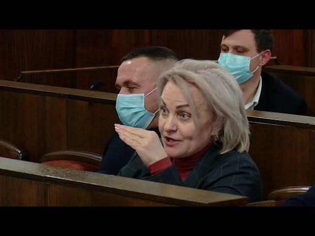 Рекордні 12годинні засідання та нервові зриви: продовження засідання сесії Чернівецької міської ради