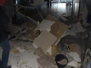 """У Чернівцях у ТЦ """"Майдан"""" стався вибух"""