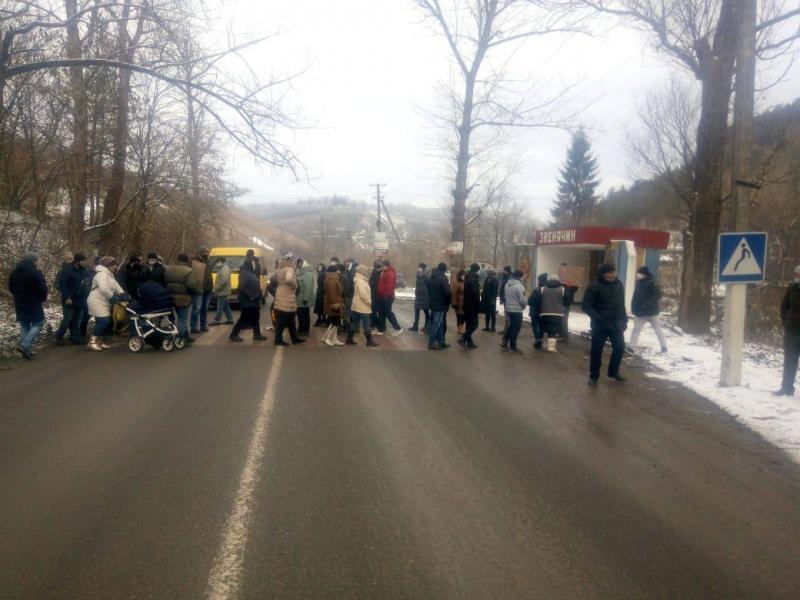 Тарифні протести: на Буковині знову перекрили рух