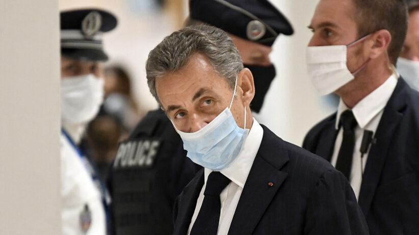 Екс-президента ФранціїНіколя Саркозізасудили до тюремного терміну