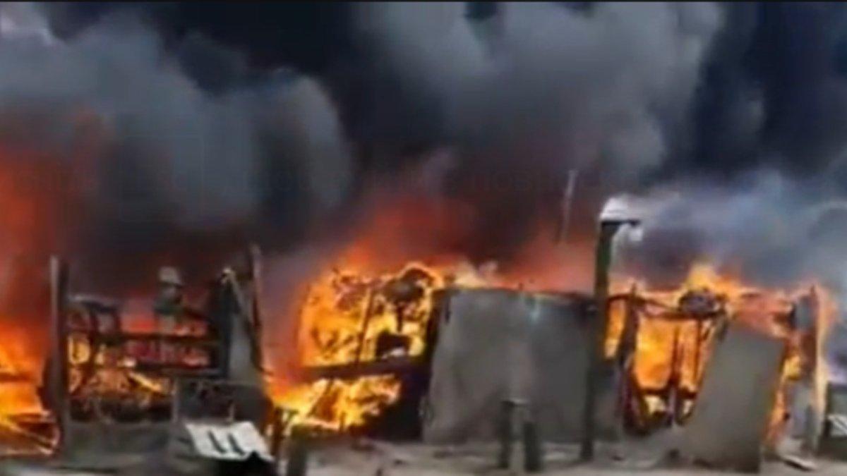 У російському військовому таборі поблизу кордону з Україною сталася масштабна пожежа – відео