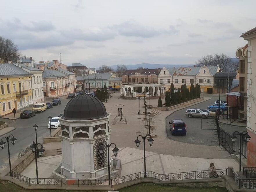 Оголосили повторний тендер: у Чернівцях відремонтують площу Пресвятої Марії