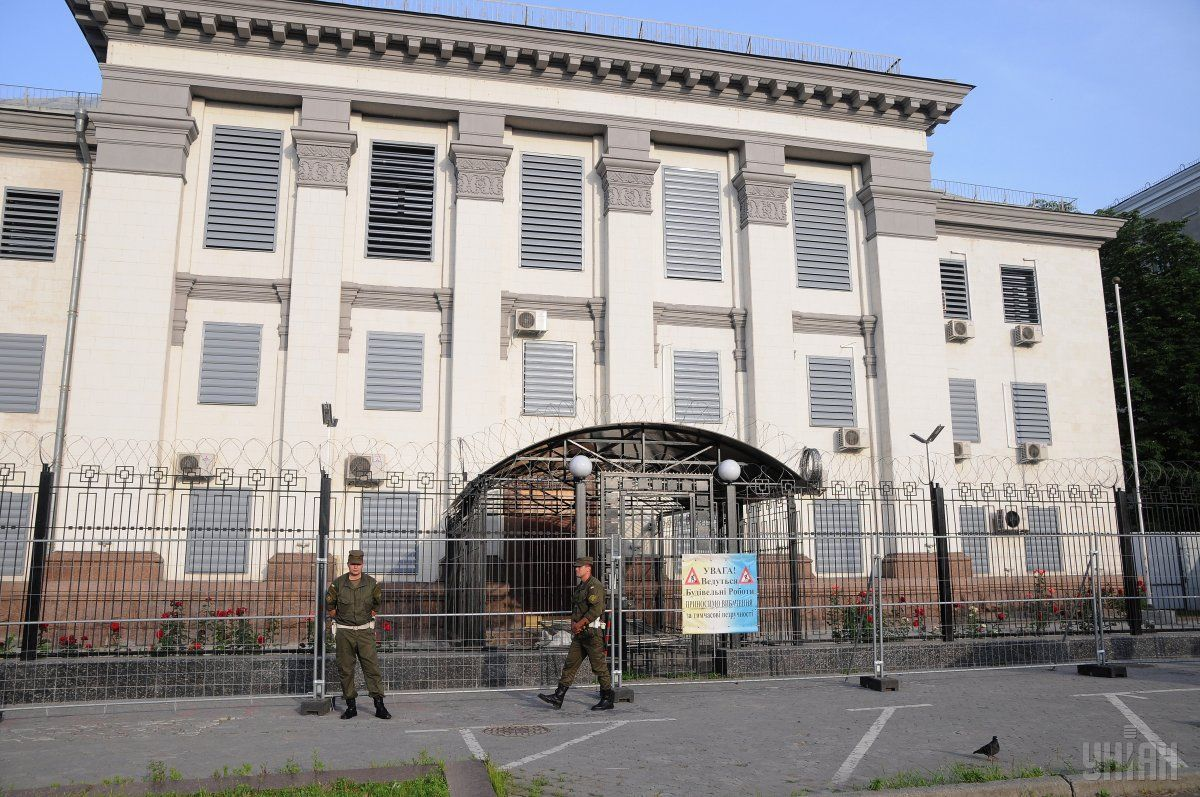 МЗС України висилає старшого дипломата посольства Росії в Києві