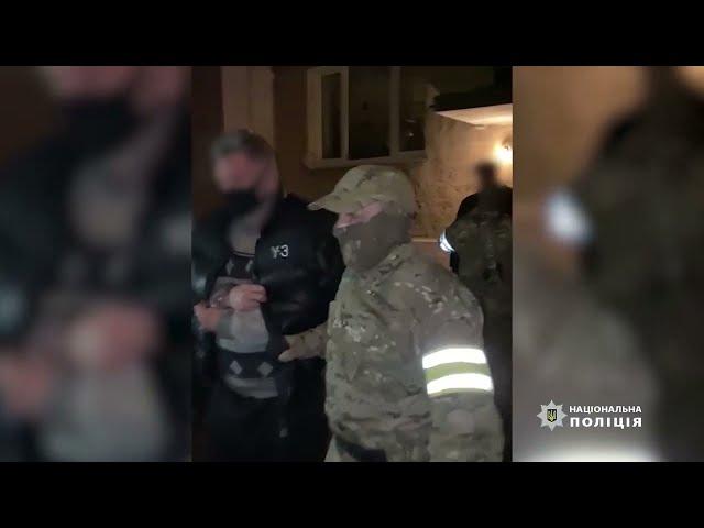 Двох чернівчан, яких підозрюють у педофілії, звільнили під заставу у розмірі 150 тисяч гривень.