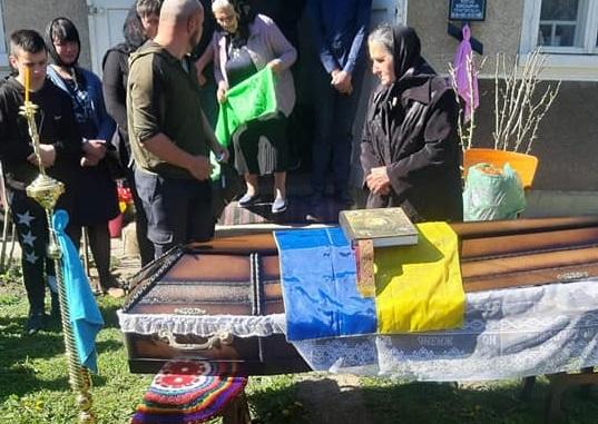 9 травня на Буковині попрощались з учасником АТО: йому було лише 44 роки
