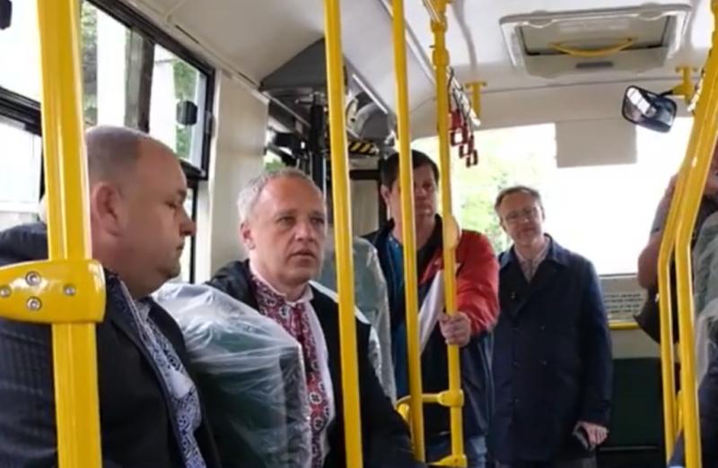 Чернівці придбають 20 нових автобусів для тролейбусного управління