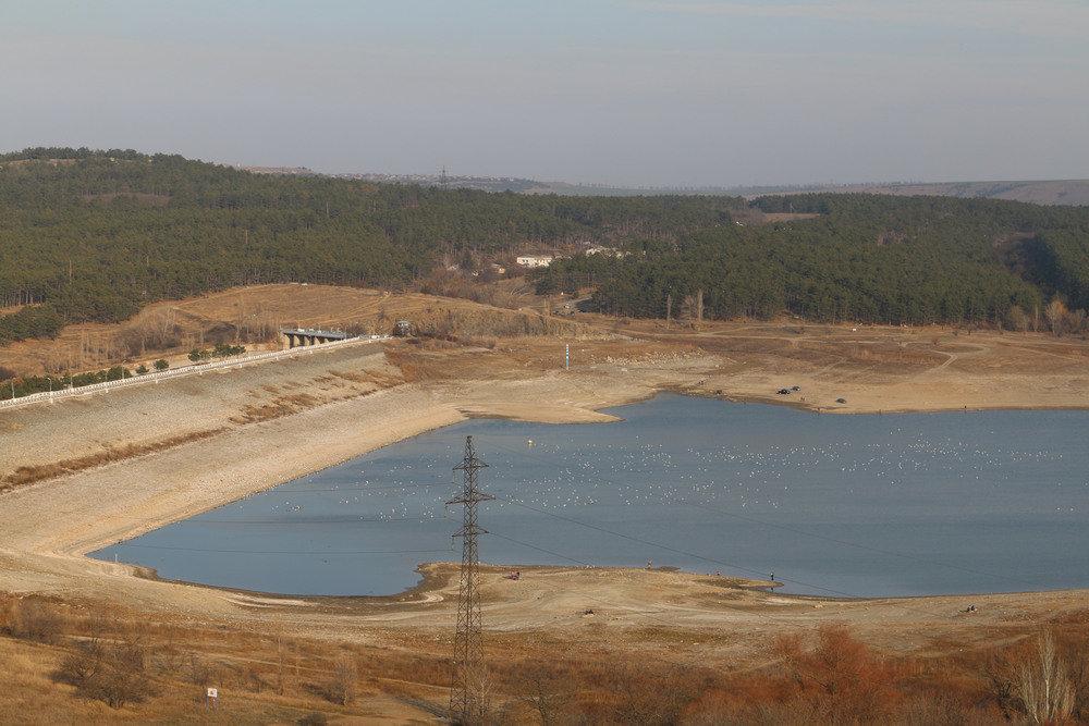 Білогірське водосховище в окупованому Криму різко міліє