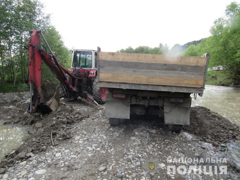 Самовільно видобували гравій: на Буковині розслідують 2 випадки незаконного видобудку