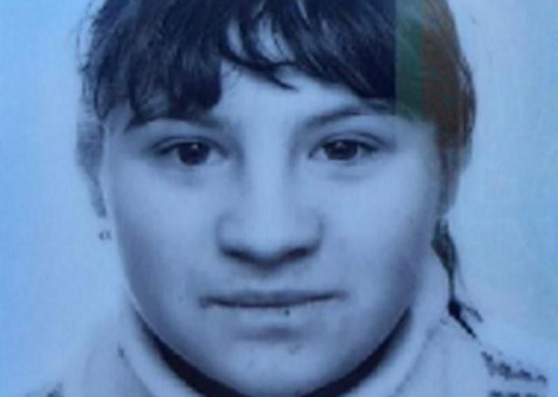 Загубилася на чернівецькому ринку: на Буковині розшукують 16-річну дівчинку