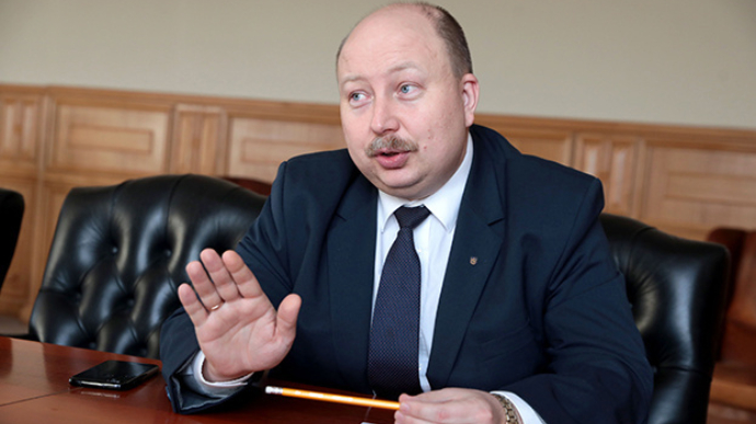 Тестування з української мови для держслужбовців: в уряді пояснили, що буде в разі нескладення іспиту