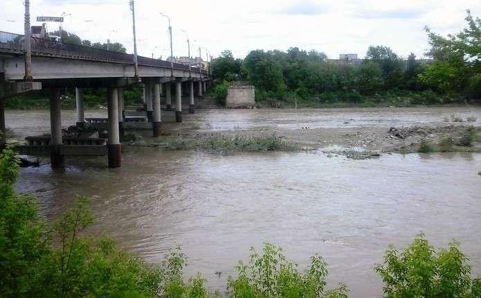 Рівень води у Пруті підвищився більше ніж на півметра