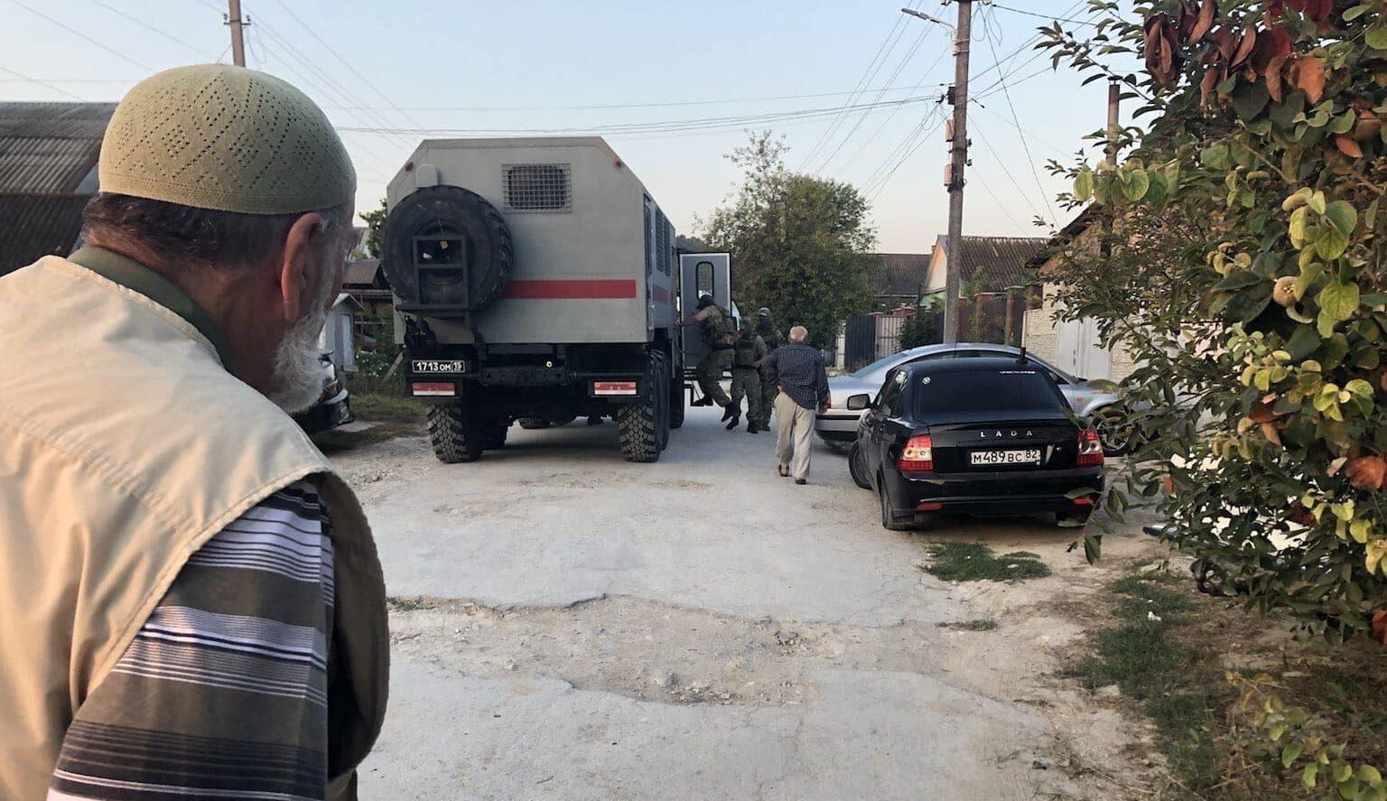 В окупованому Криму ФСБ окупантів провели обшуки в будинках кримських татар
