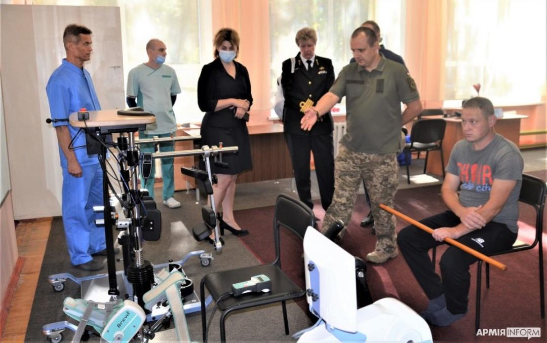 Нідерланди приймуть на лікування трьох поранених українських військових