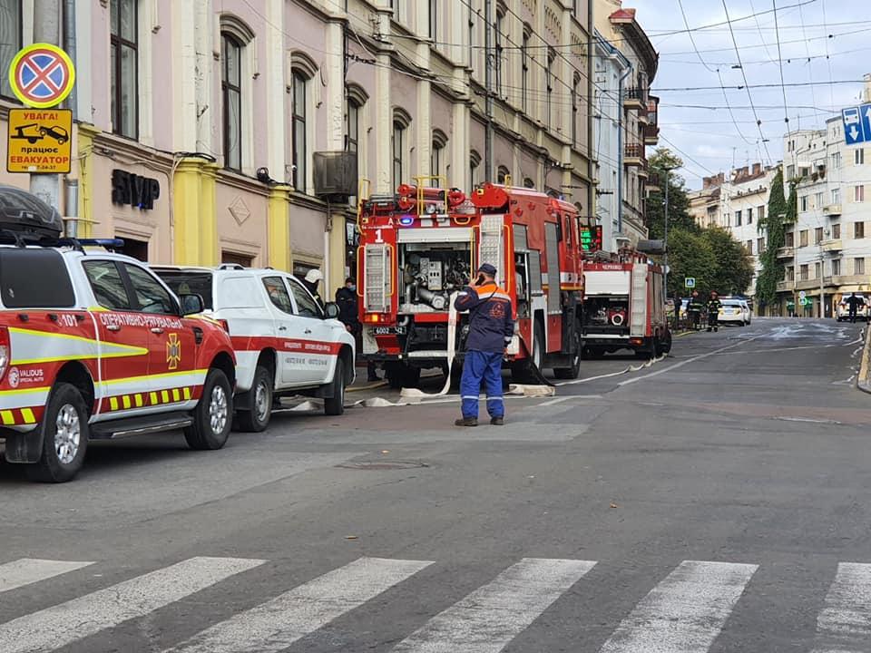 У Чернівцях через антитерористичні навчання перекритий центр міста