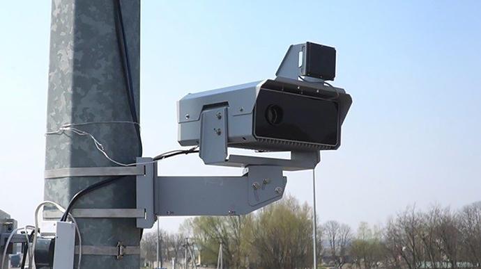 В Україні завтра запрацюють ще 20 камер автофіксації порушень ПДР: список доріг